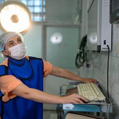 Детский ортопед, торакальный хирург, к.м.н., главный врач Новосибирского НИИТО им. Я.Л. Цивьяна Елена Губина