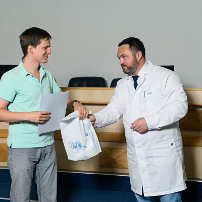 Ежегодно ННИИТО выпускает ординаторов по профилям травматологии-ортопедии, нейрохирургии, анестезиологии-реанимации