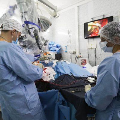 Операции врачей-нейрохирургов проводятся в том числе под нейромониторингом